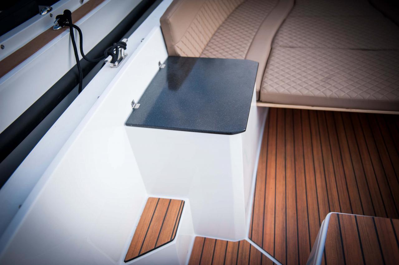 Maxima 650 Lounge 22
