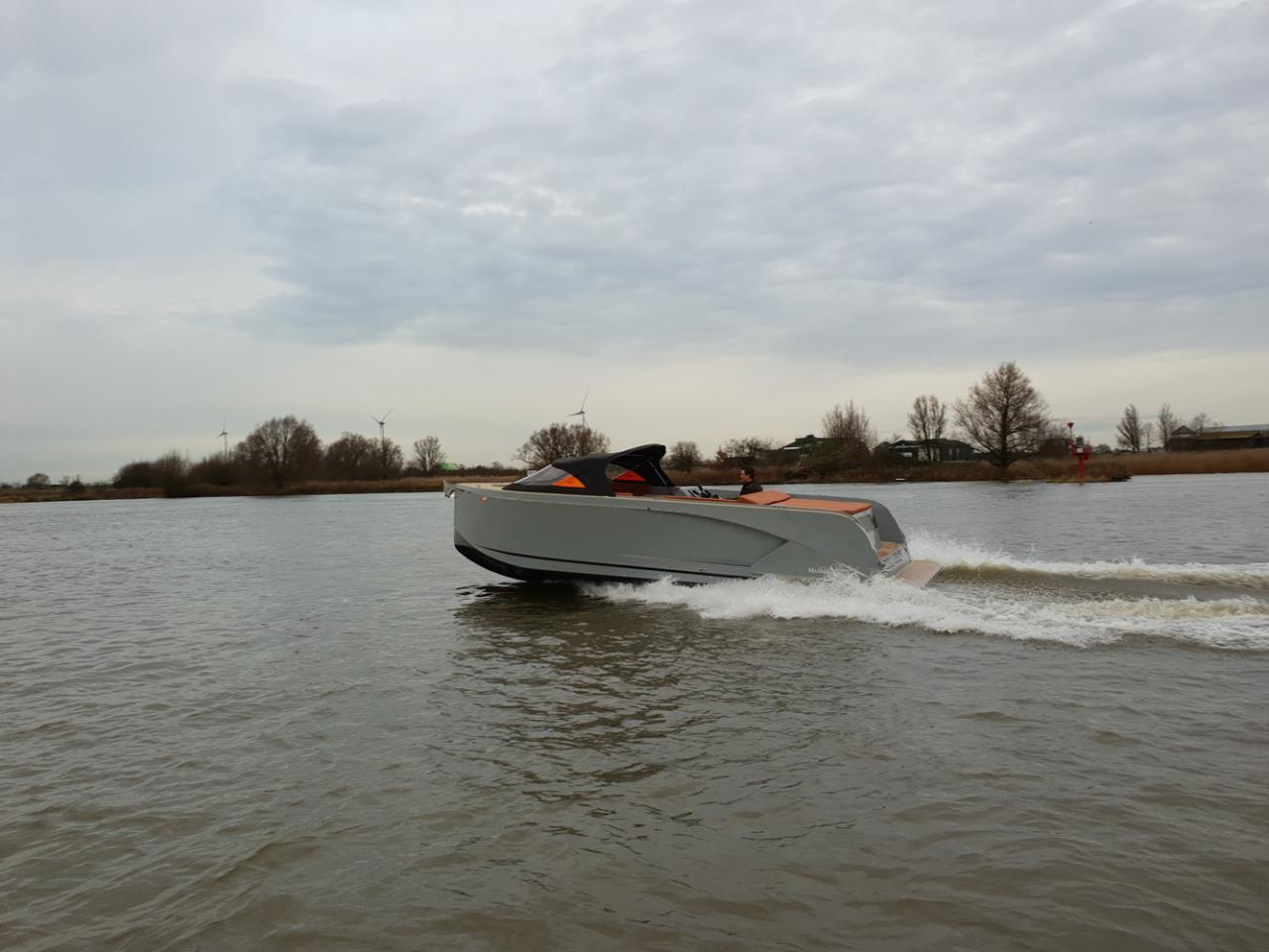 Maxima 840 tender 33
