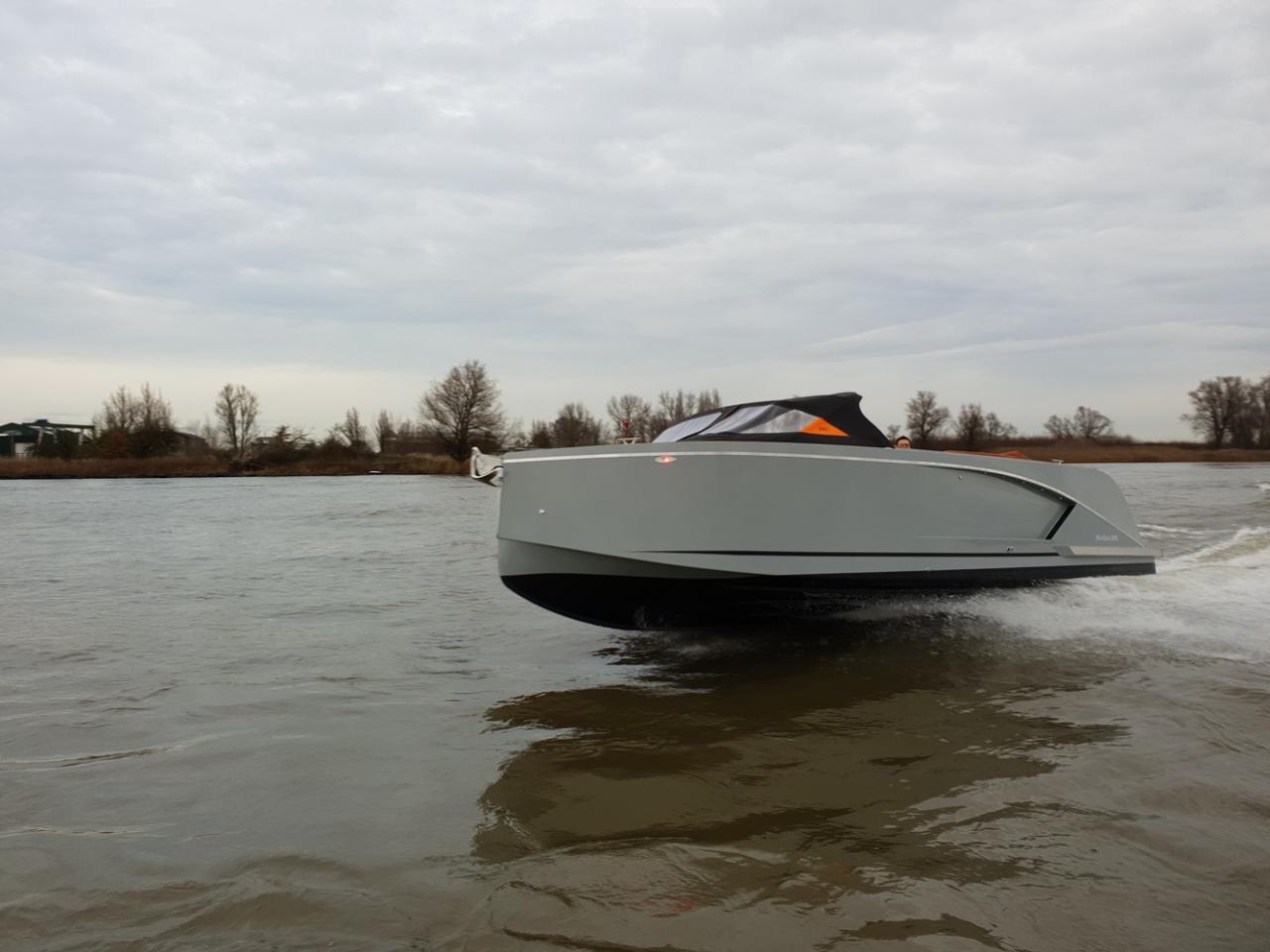 Maxima 840 tender 22