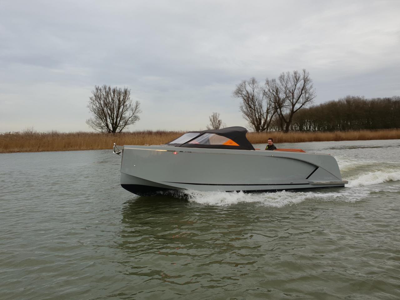 Maxima 840 tender 37