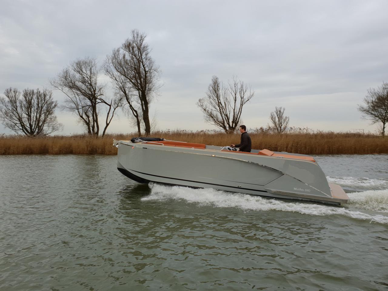 Maxima 840 tender 40
