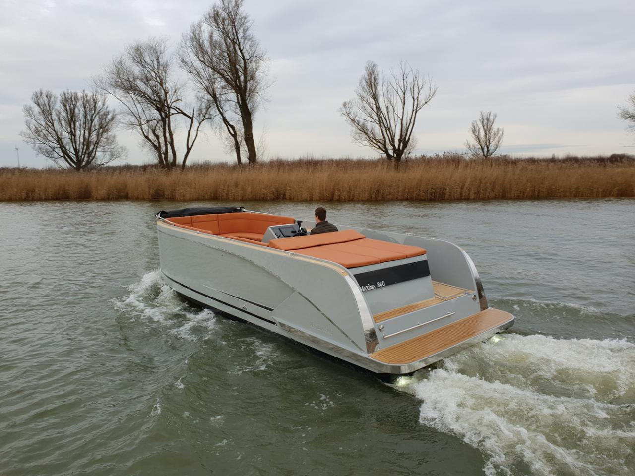 Maxima 840 tender 41