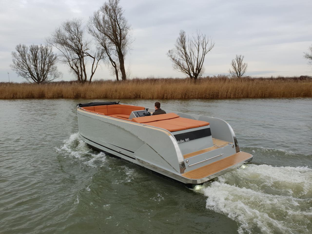 Maxima 840 tender 56