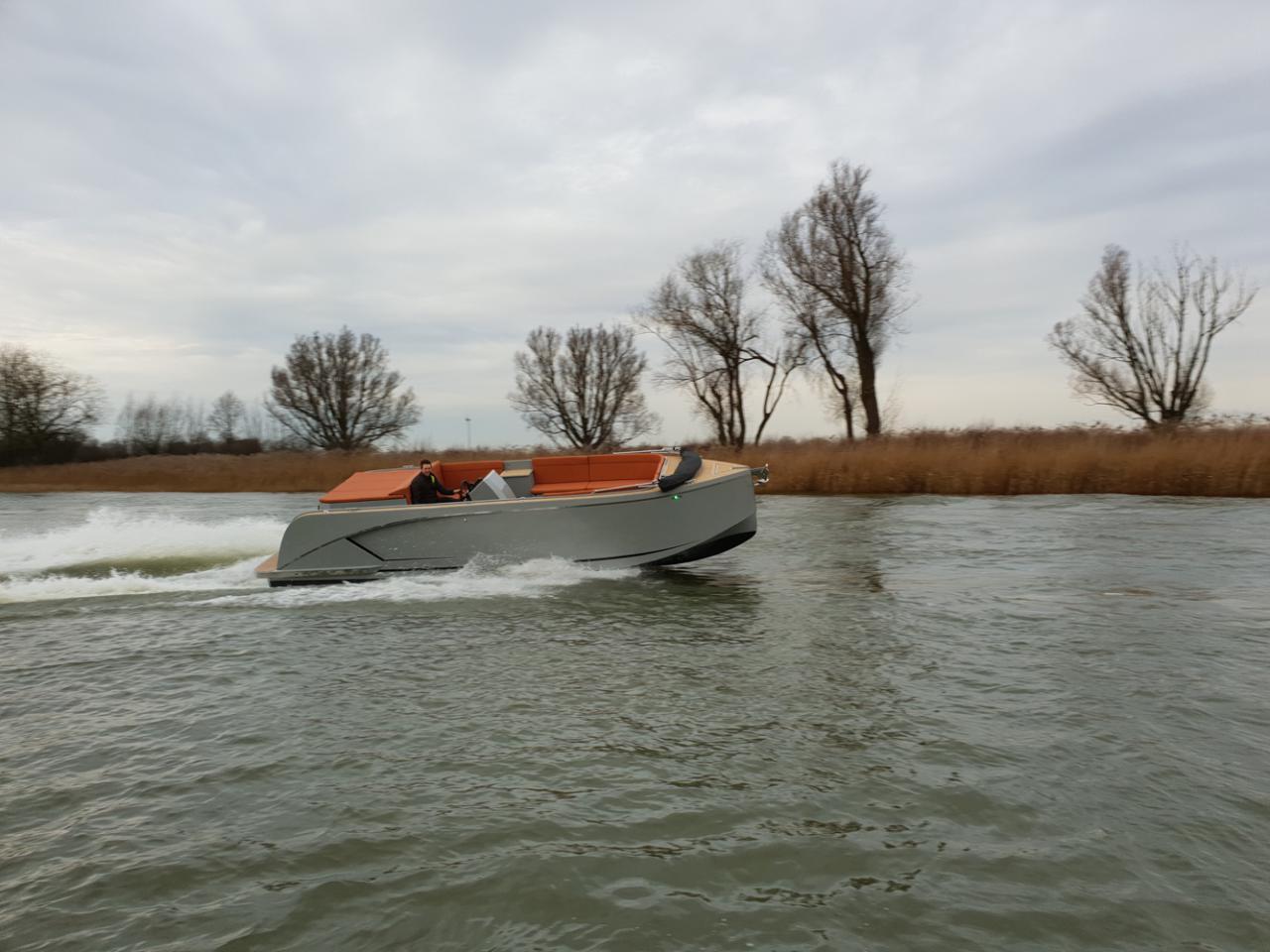 Maxima 840 tender 48