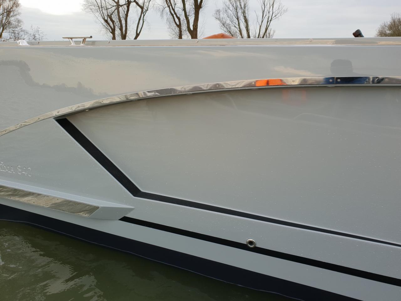 Maxima 840 tender 28
